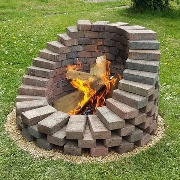 19 Diy Fire Pit Ideas That Wont Break The Bank In 2021 Houszed