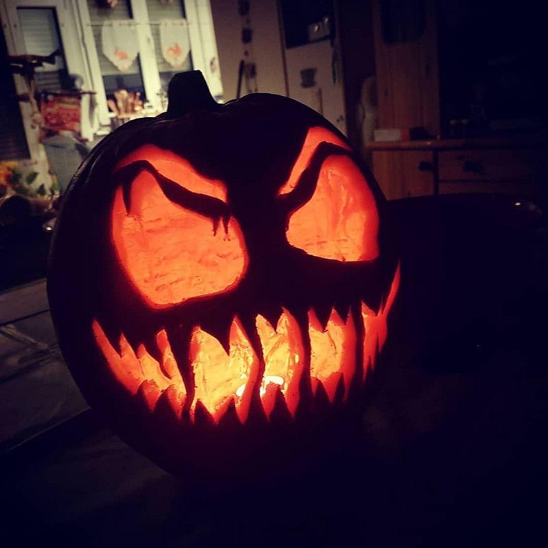 31 Easy Halloween Pumpkin Carving Ideas That Impress In 2020